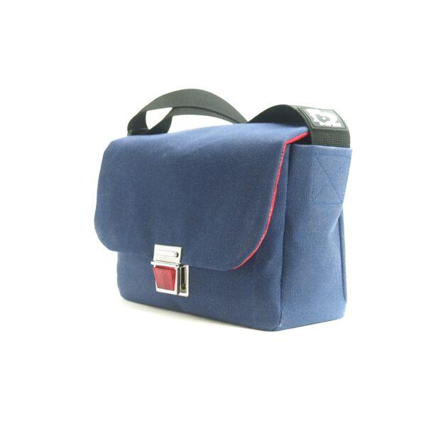 Blau, Handtasche aus Persenningstoff