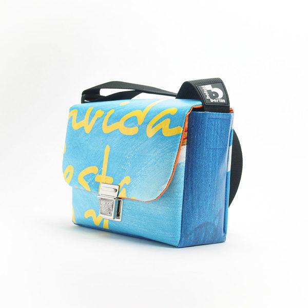 Handtasche aus Upcyclingmaterialien