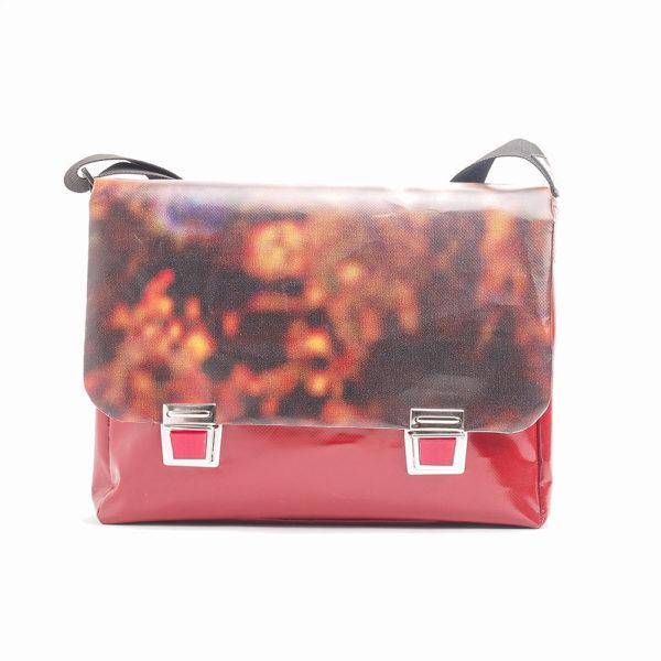 Messengerbag Tasche aus Upcyclingplane bolsos berlin
