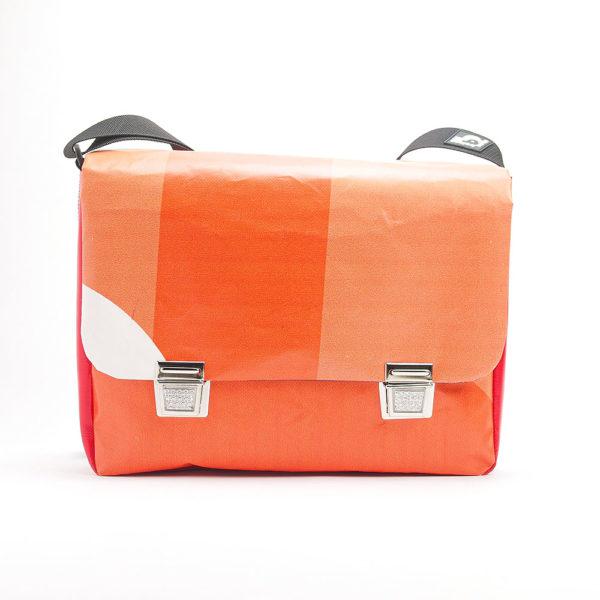 Messengerbag, Tasche aus upcyclingplane bolsos berlin